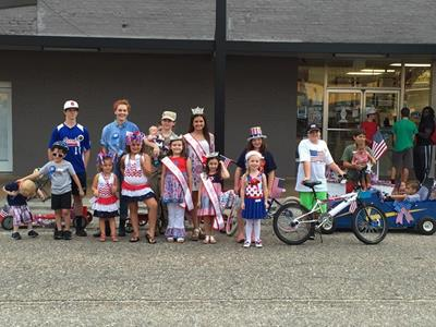 Click to view album: Patriotic Kids Parade